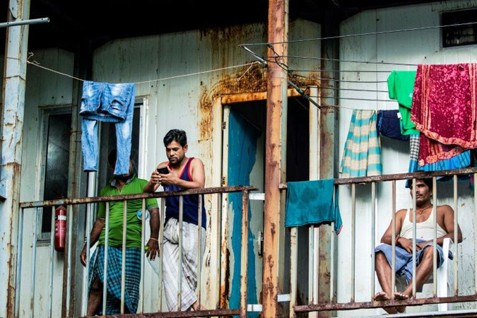 Virus traps poor foreign workers in deserted Maldives