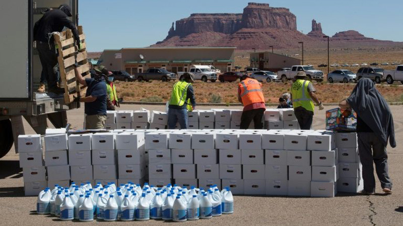 Virus surges in Monument Valley, symbol of American West
