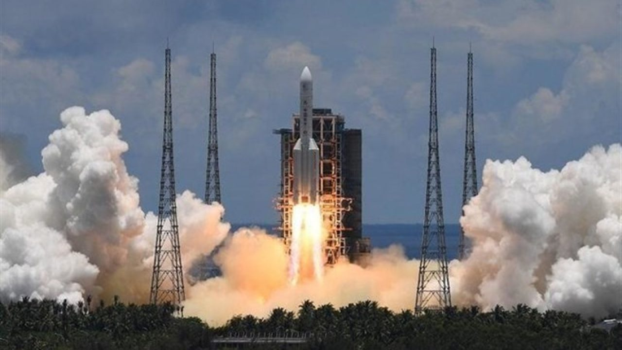 China Celebrates Safe Landing of 'Cheap' Re-usable Spacecraft
