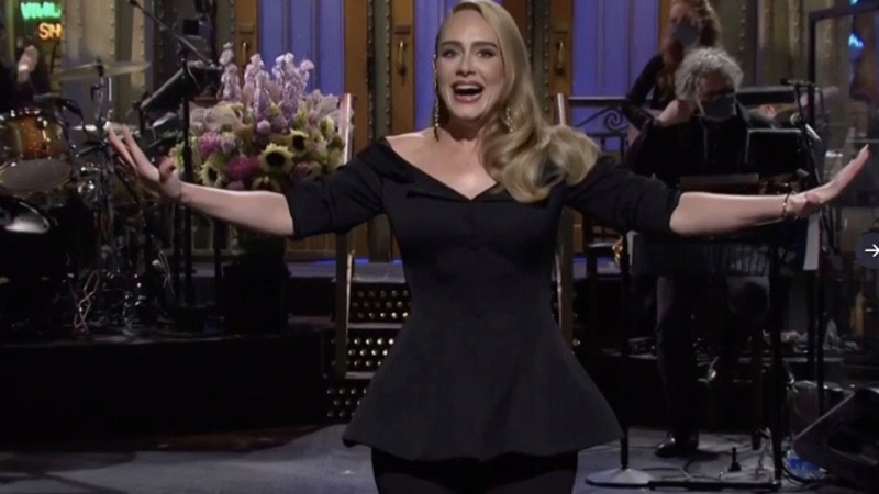 Adele jokes about weight loss while hosting 'SNL' - Daily ...