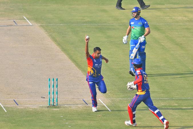 Karachi beats Multan in super over for place in PSL final