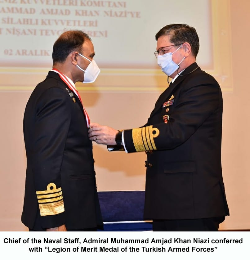 """CHIEF OF THE NAVAL STAFF ADMIRAL MUHAMMAD AMJAD KHAN NIAZI CONFERRED WITH """"LEGION OF MERIT OF THE TURKISH ARMED FORCES"""" AT TURKEY"""