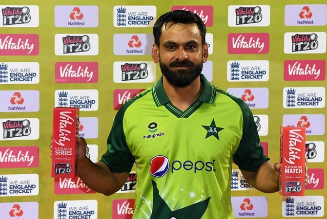 Mohammad Hafeez becomes leading T20I run-scorer in 2020