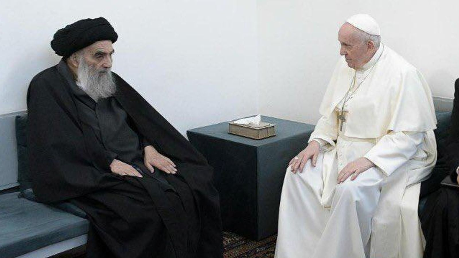 Pope Francis arrived at the home of Iraq's top Shi'ite Muslim cleric in southern Iraq on Saturday for the first ever such meeting between the leaders