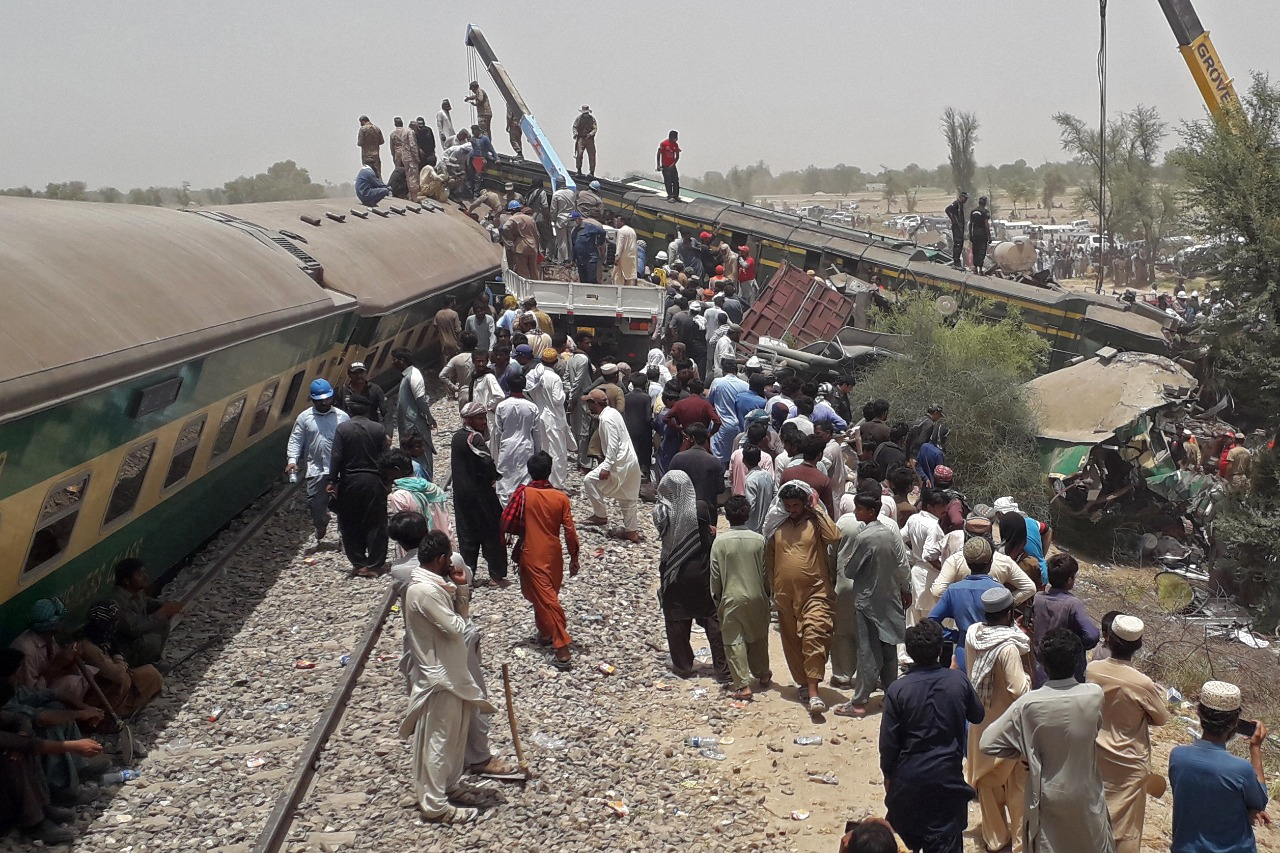 Sir Syed Express driver narrates the tale of accident