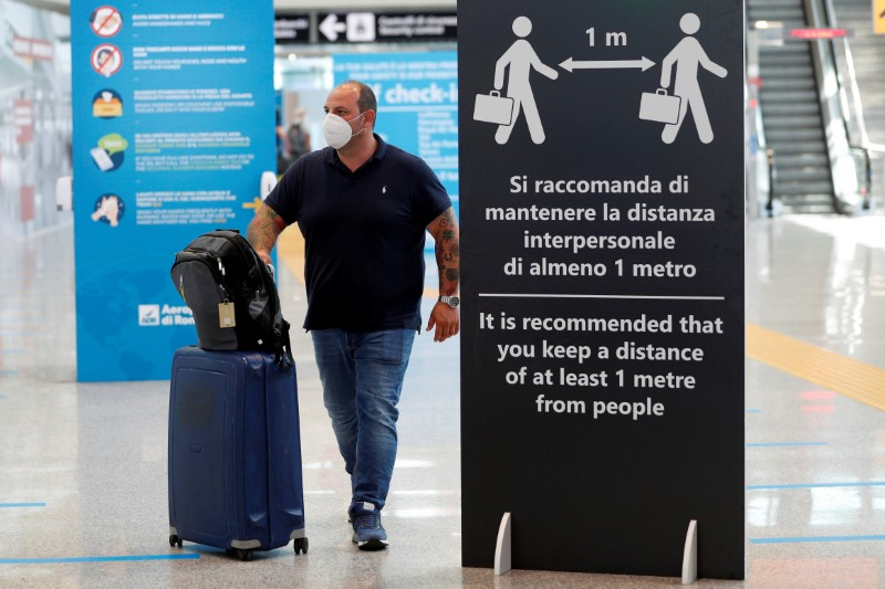 Italy re-imposes quarantine on arrivals from Britain