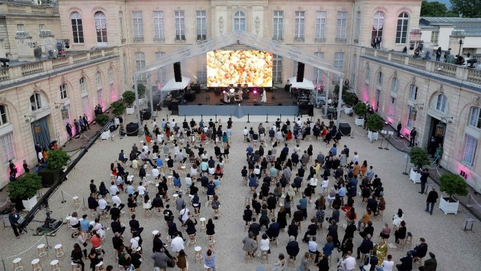 Macron palace