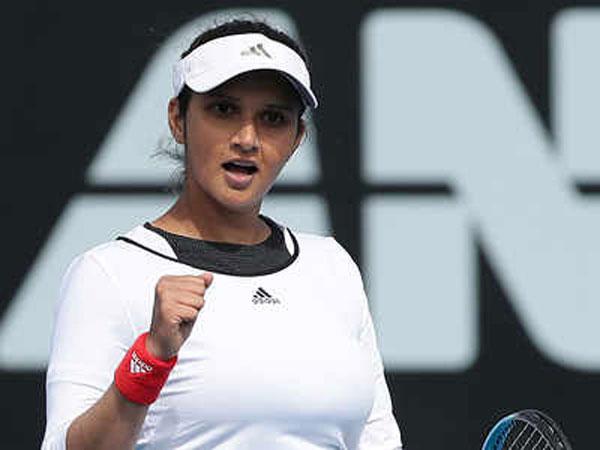 Wimbledon 2021: Sania Mirza poses with son Izhaan, Anushka