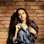 Zarnish hits back at Maira Khan over 'burger-paindu' stance